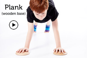 child in plank with Makarlu