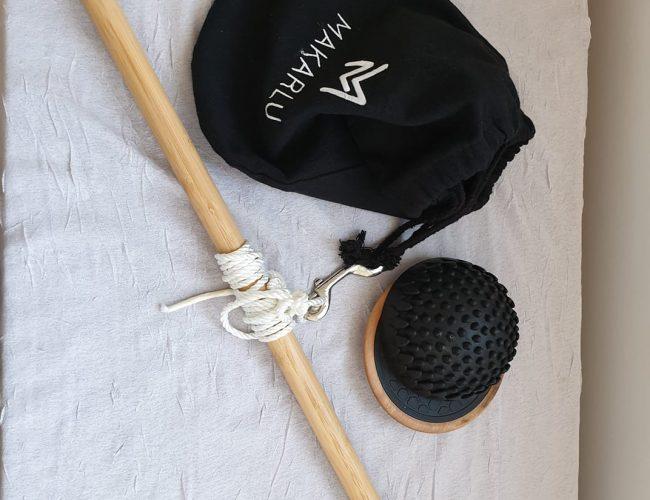 Makarlu, string, bag and stick